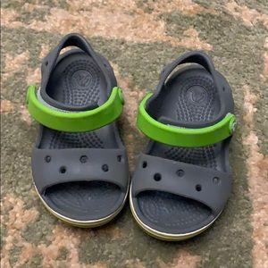 Baby boy crocs Velcro sandals gray sz 5
